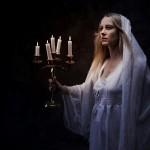 Lady-Macbeth-sleepwalking-holding-candles